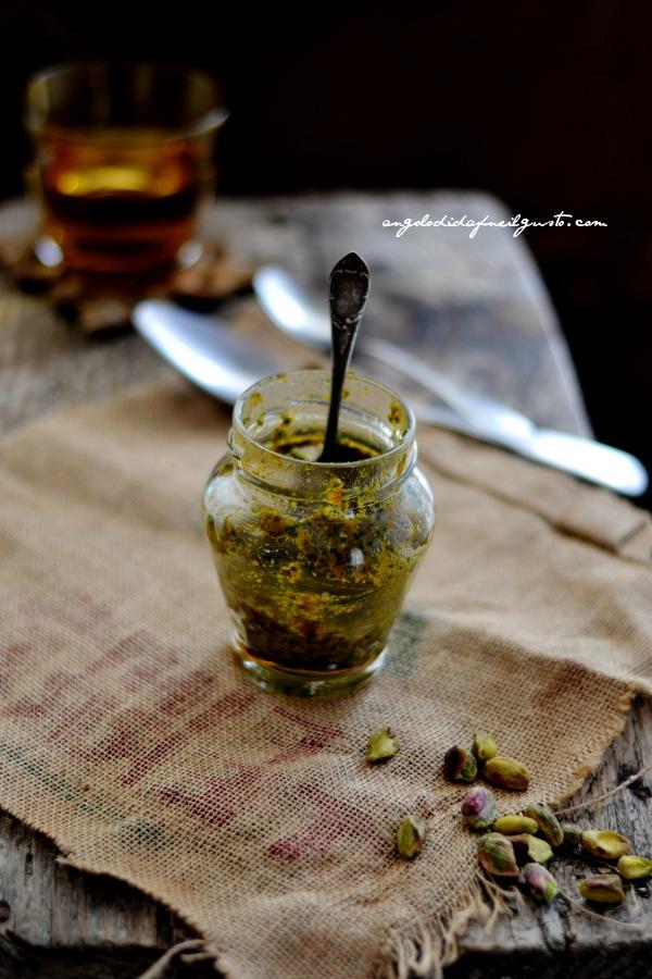 pesto di rucola, pomodori secchi, pistacchi e olive taggiasche 23