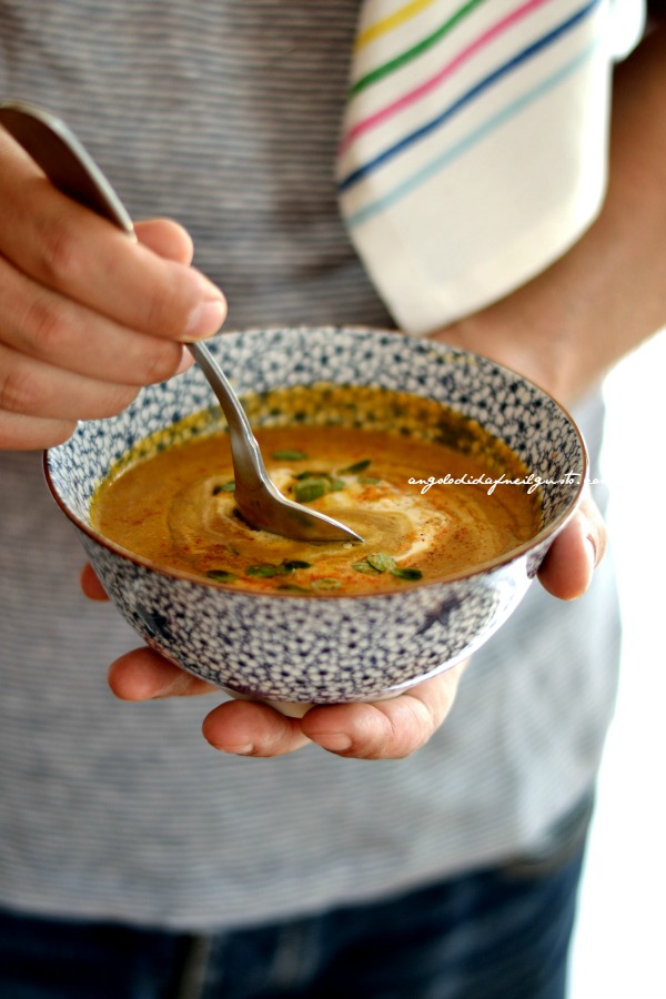 Crema di lenticchie rosse speziate con Crème fraîche