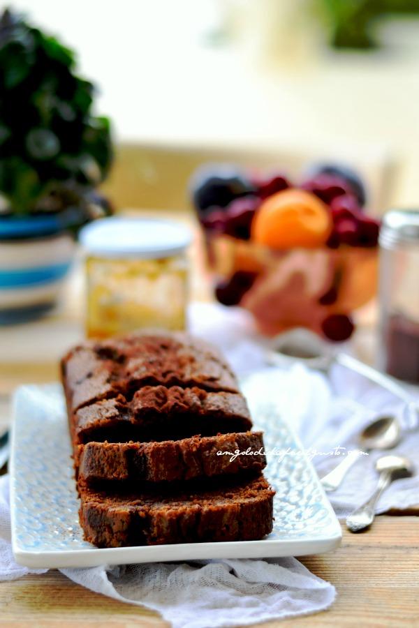 Cake sofficissimo al cioccolato fondente, caffè e robiola