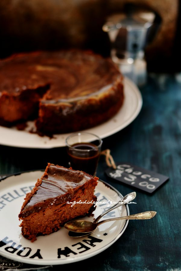 Chocolate mousse cheesecake with salted caramel sauce