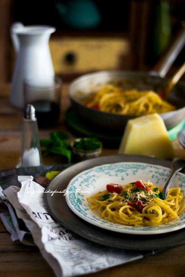 Volevano essere spaghetti aglio, olio e peperoncino        (3)