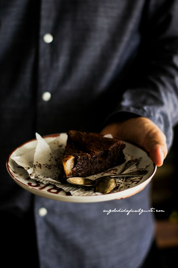 Chocolate mousse cake with pears (4)