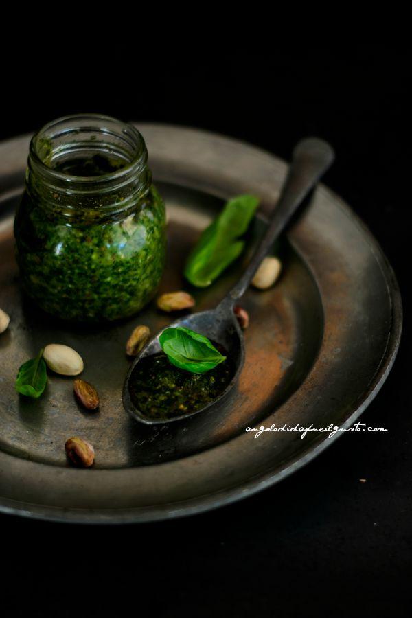 Pesto di basilico, pistacchi e limone