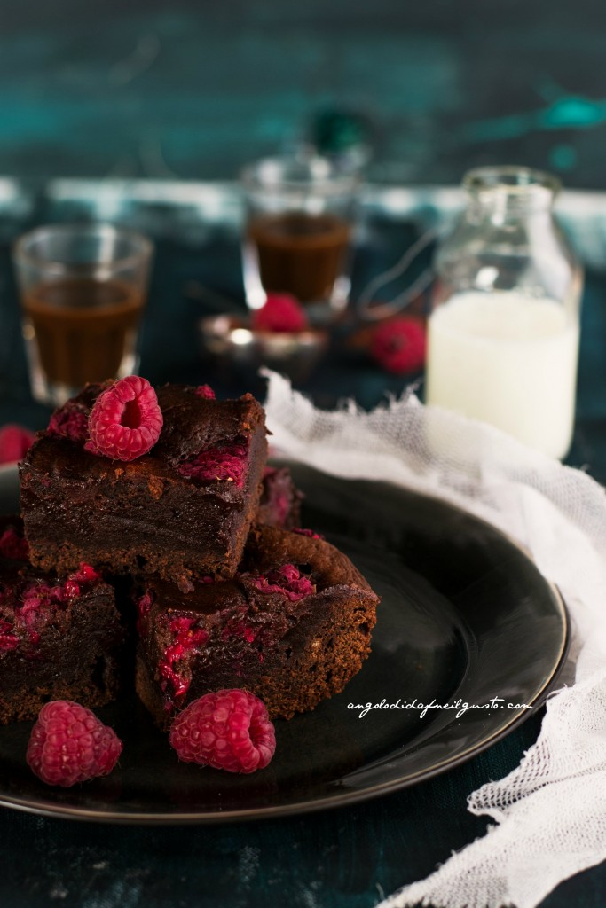 Chocolate and raspberry brownies _0024