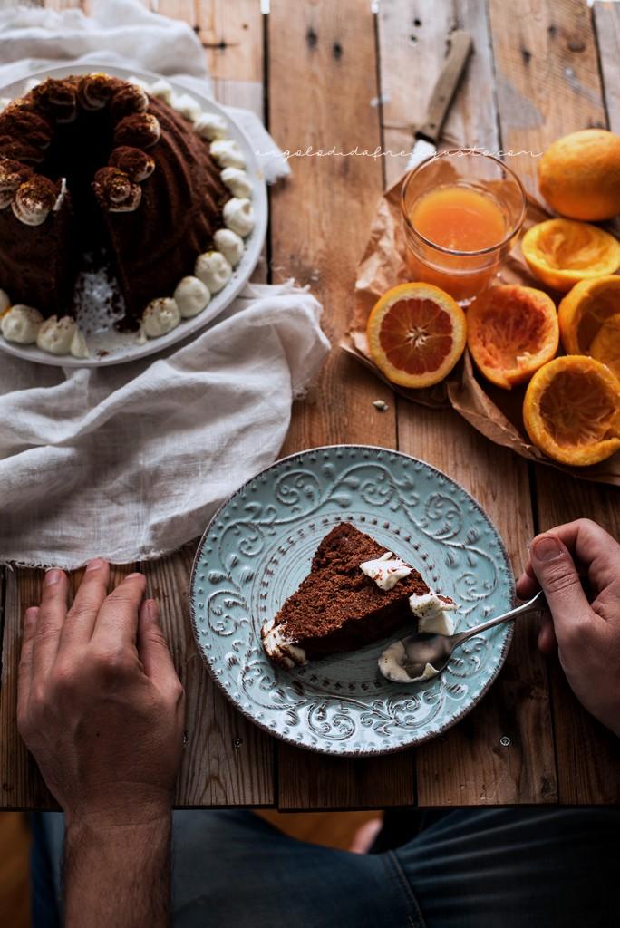 Ciambella al cioccolato con farina di riso, carote, mandorle e arancia_1912