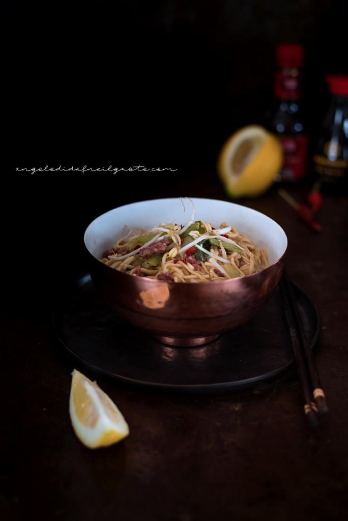 Noodles con carne e pak choi_1634