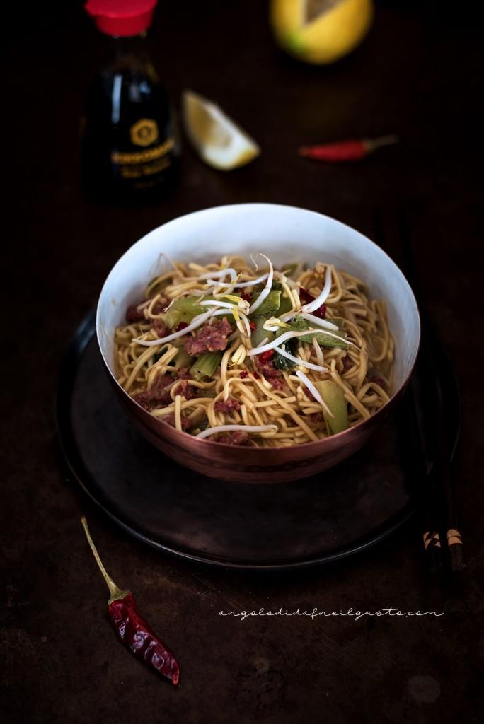 Noodles con carne e pak choi_1639m
