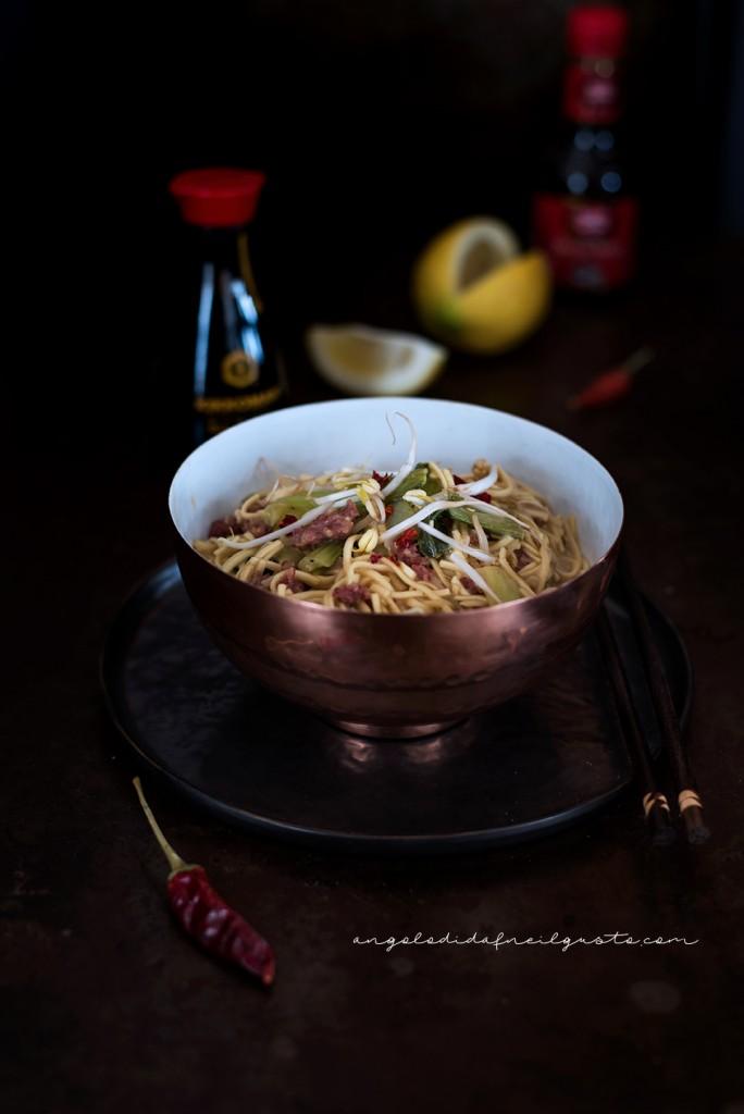Noodles con carne e pak choi_1640