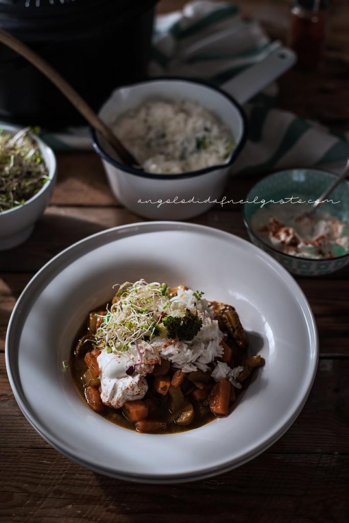 Zuppa speziata di funghi, carote e patate con riso basmati e yogurt2042