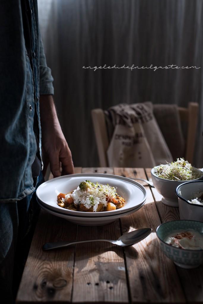 Zuppa speziata di funghi, carote e patate con riso basmati e yogurt2045