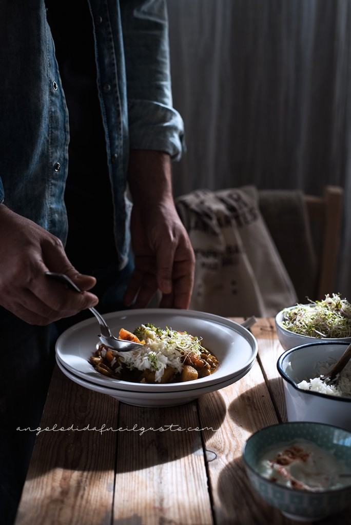 Zuppa speziata di funghi, carote e patate con riso basmati e yogurt2046