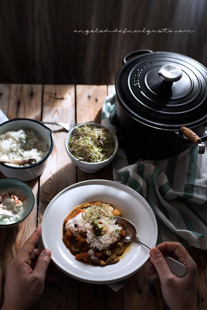 Zuppa speziata di funghi, carote e patate con riso basmati e yogurt2049