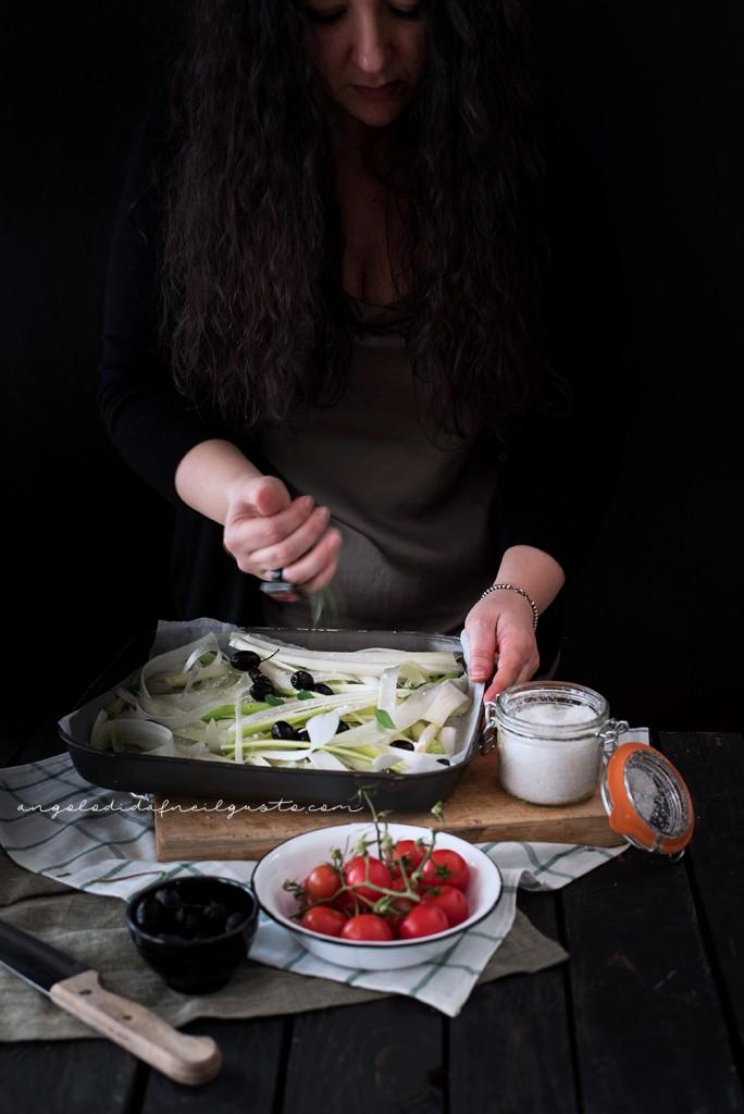 Crostoni con cipollotti, pomodorini, olive e stracchino_2908