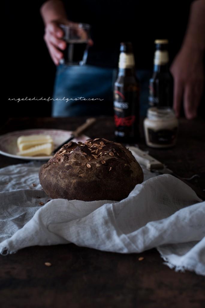 Pane scuro alla Guinness e nocciole2385