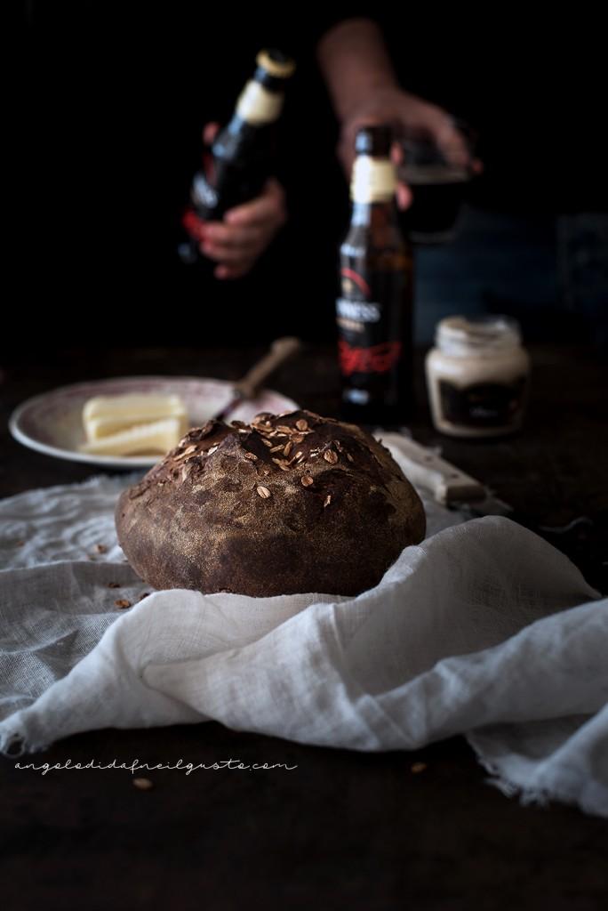 Pane scuro alla Guinness e nocciole2388
