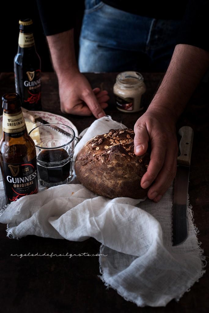 Pane scuro alla Guinness e nocciole2398