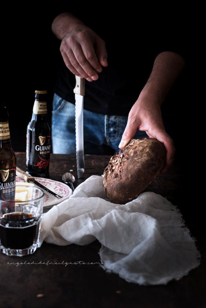 Pane scuro alla Guinness e nocciole2399
