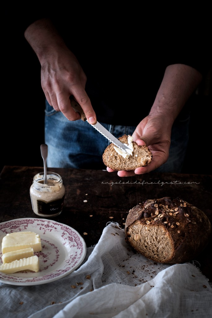 Pane scuro alla Guinness e nocciole2405