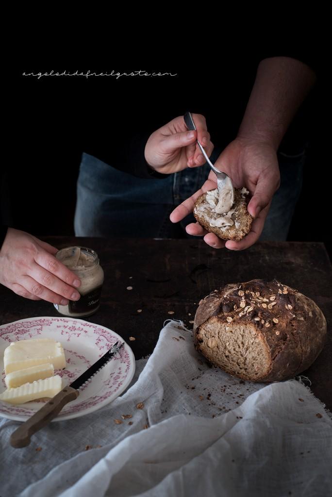 Pane scuro alla Guinness e nocciole2407