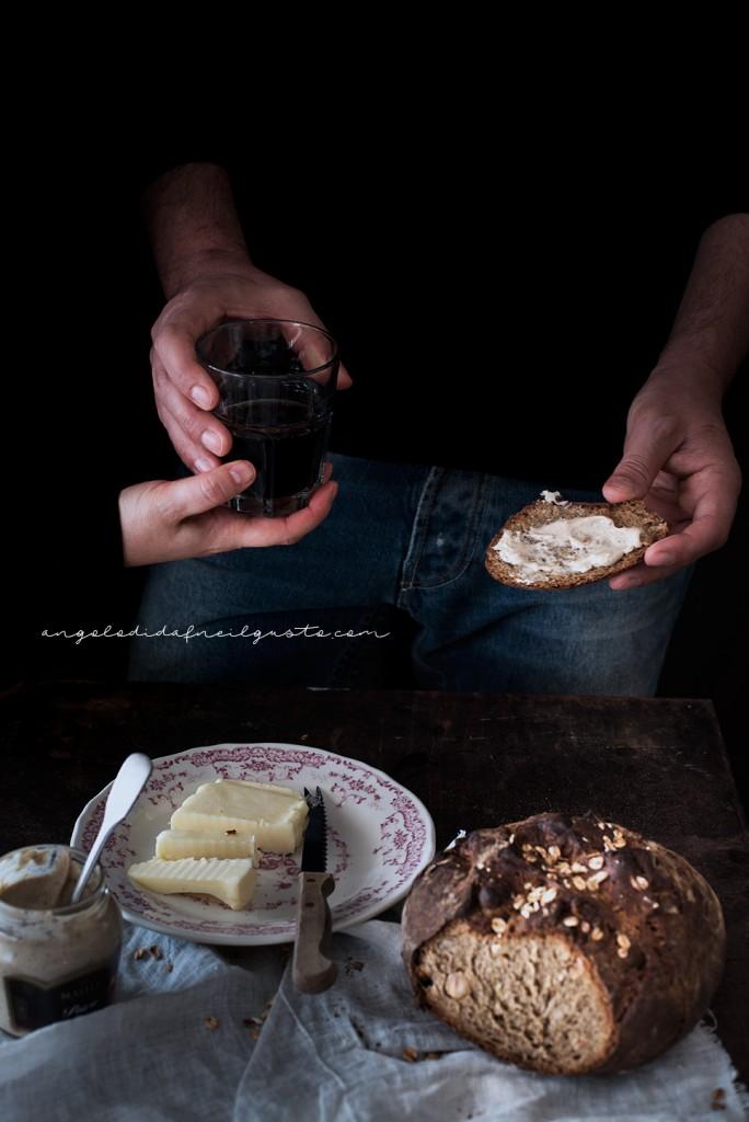 Pane scuro alla Guinness e nocciole2411