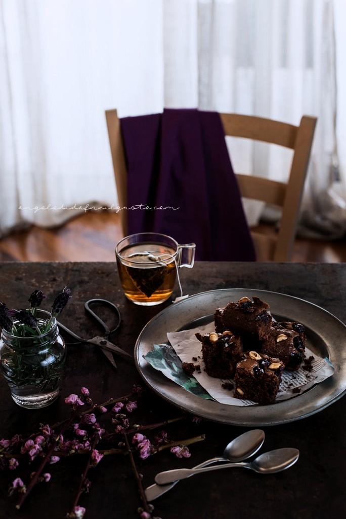Brownies al cioccolato, cocco e avena con mirtilli e nocciole_3694