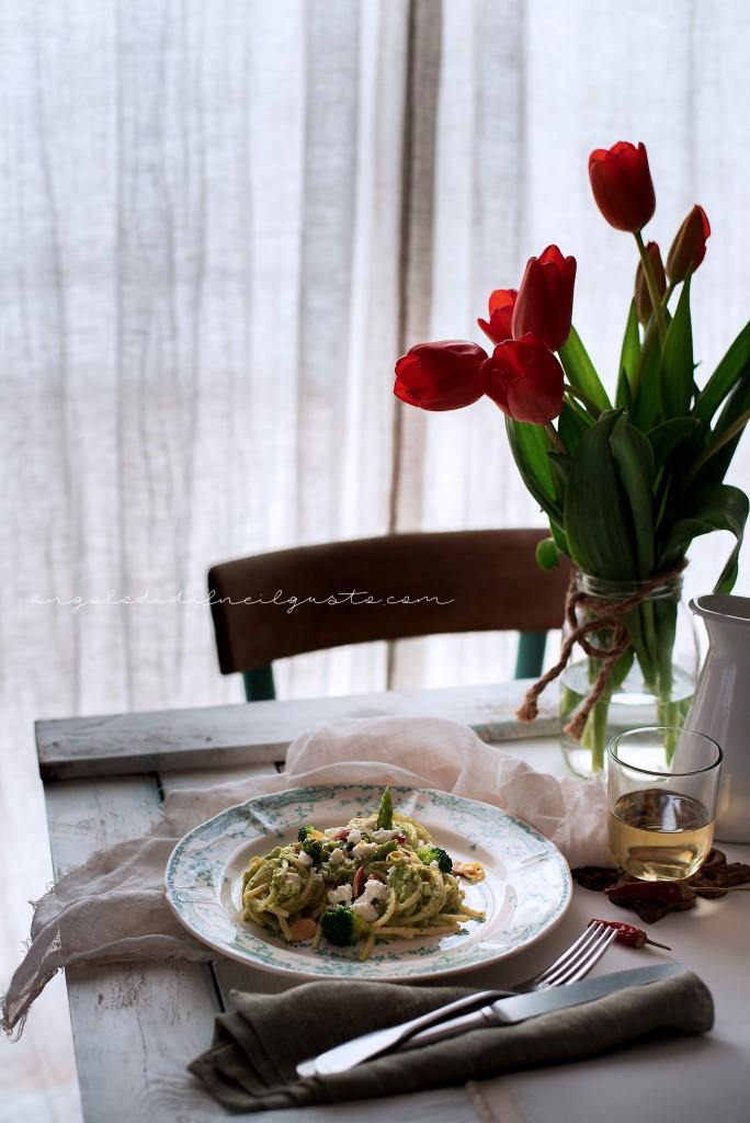 Spaghetti broccoli asparagi feta_1766