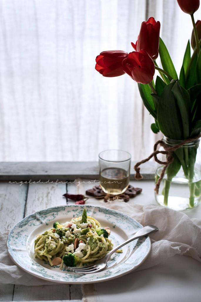 Spaghetti broccoli asparagi feta_1795