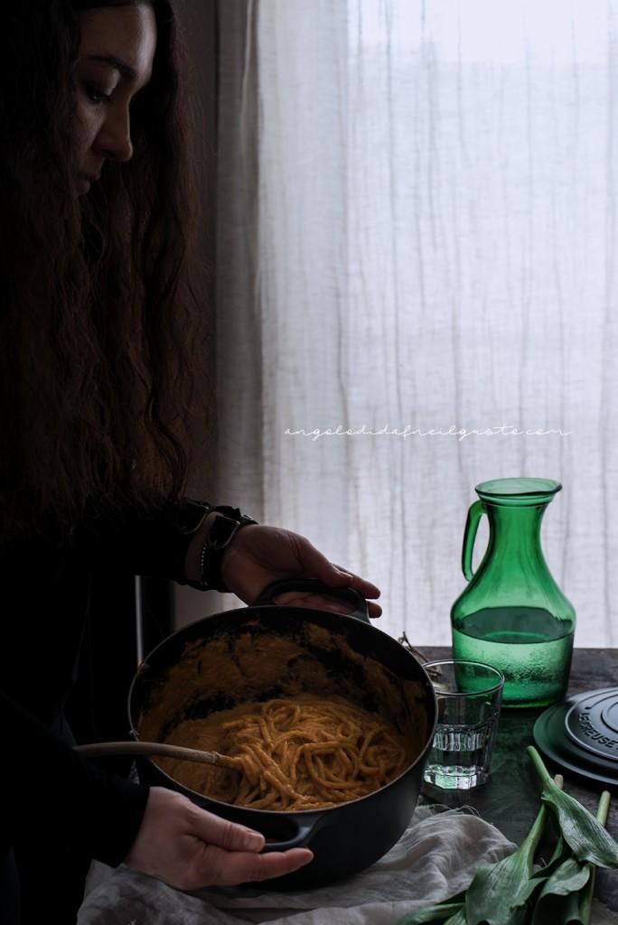 Spaghettoni alla crema di zucca e robiola_3366