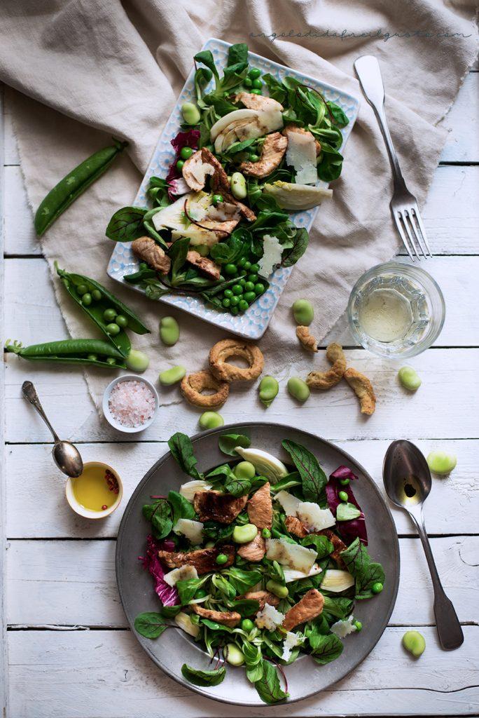 Insalata di primavera con pollo, piselli, fave e pecorino 888