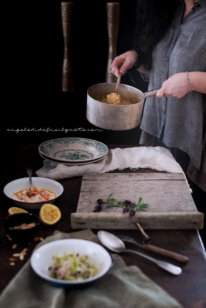 Riso e fagioli alle spezie, con germogli e salsa allo yogurt16