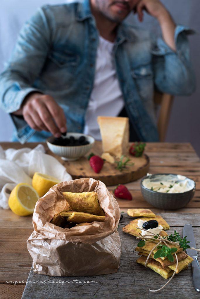 Cracker alla senape, mandorle e pistacchi con crema di robiola23