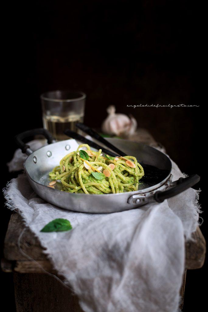 Spaghettoni con crema di zucchine profumata al limone e basilico 731