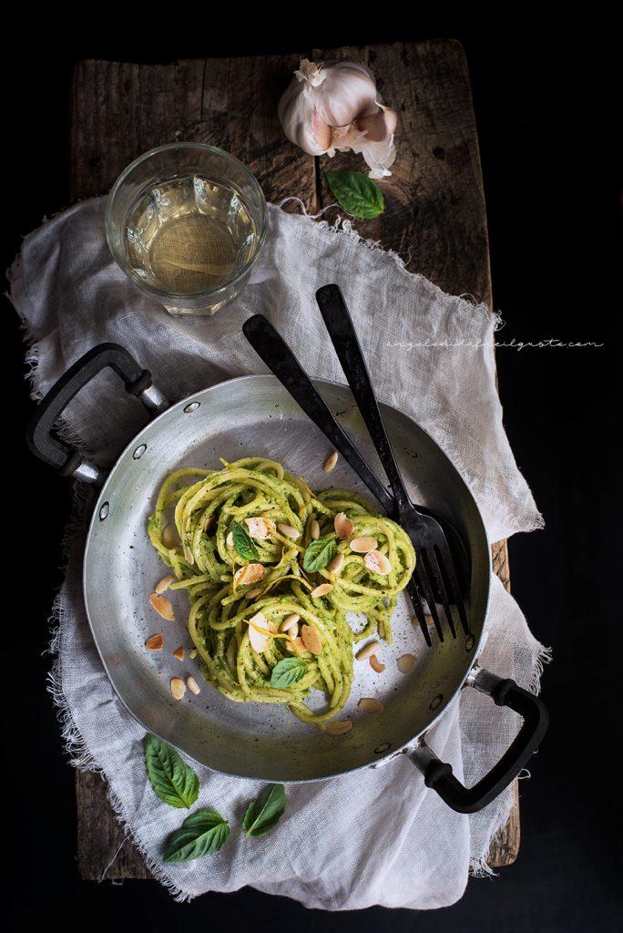 Spaghettoni con crema di zucchine profumata al limone e basilico 734