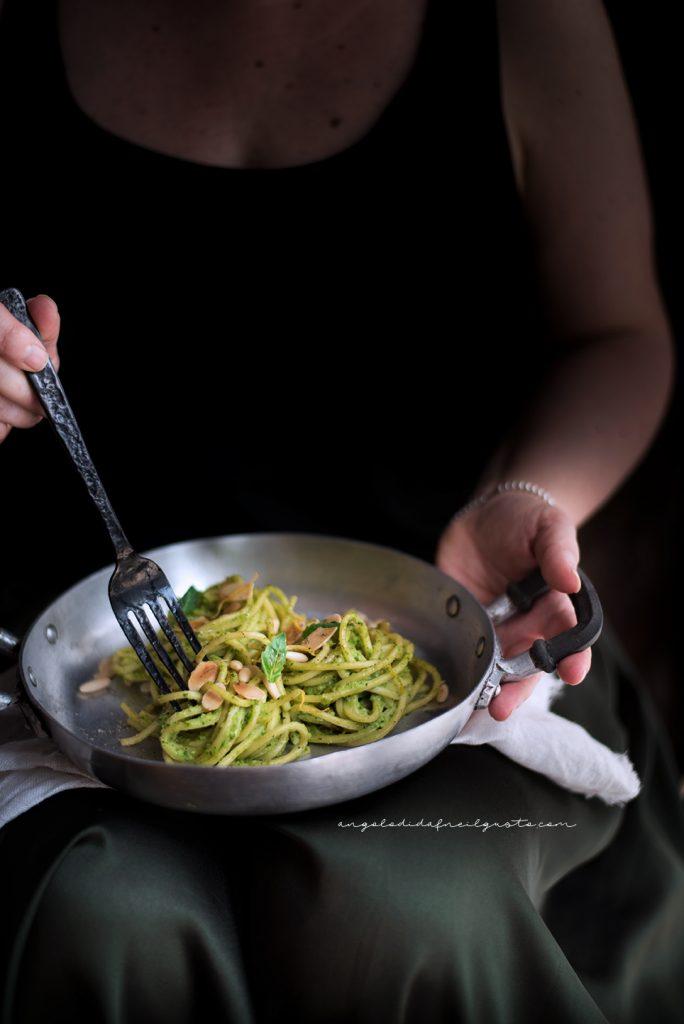 Spaghettoni con crema di zucchine profumata al limone e basilico 756
