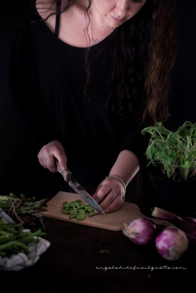Troccoli con asparagi, fagiolini e trito aromatico _5342