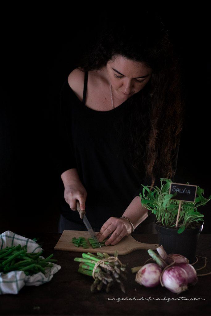 Troccoli con asparagi, fagiolini e trito aromatico_5337