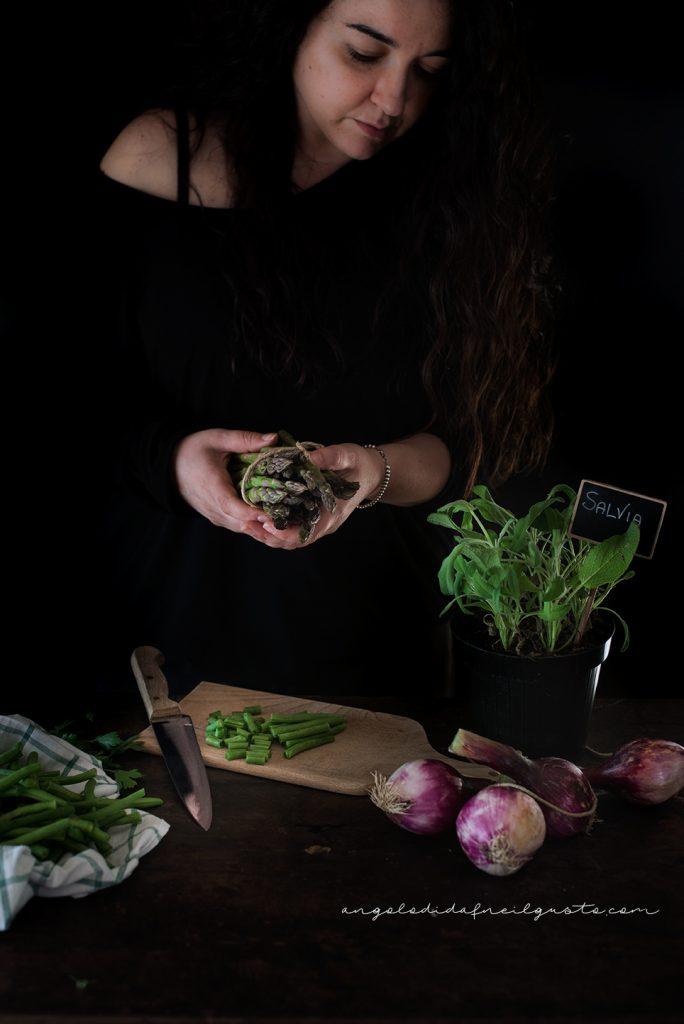 Troccoli con asparagi, fagiolini e trito aromatico_5352