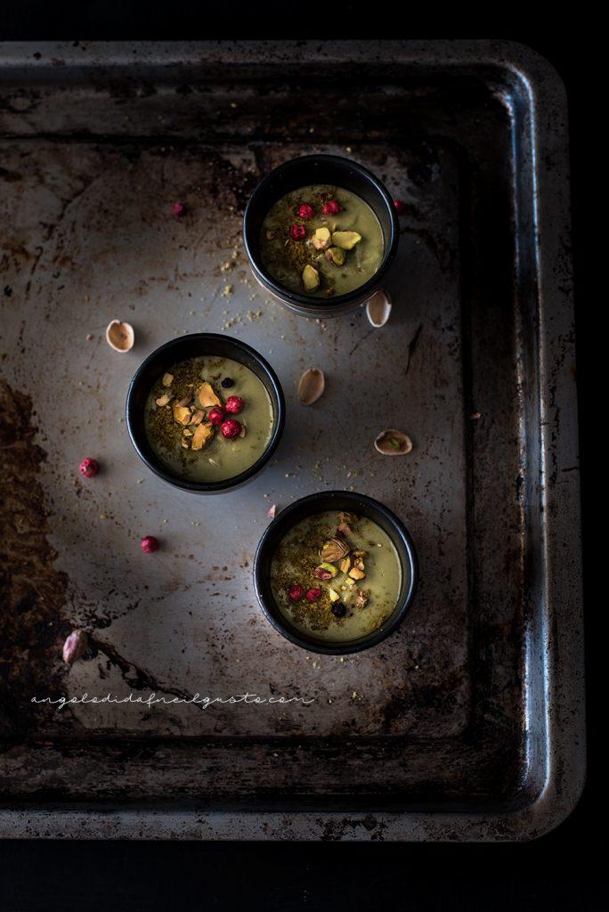 Mousse al mascarpone, te matcha e pistacchi 099
