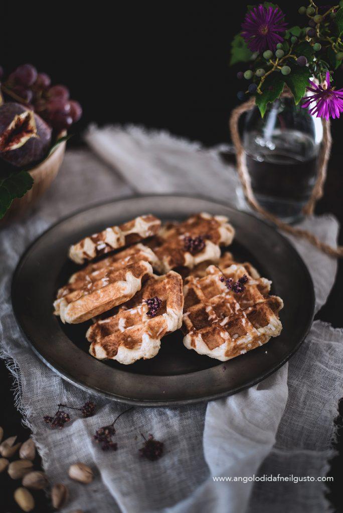 Gaufres de Liege con gelato al cioccolato ai pistacchi2