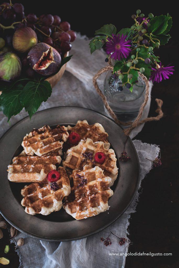 Gaufres de Liege con gelato al cioccolato ai pistacchi3