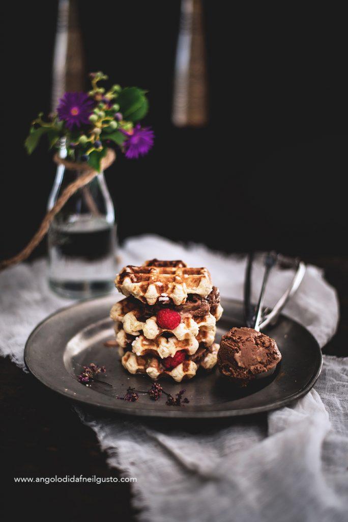 Gaufres de Liege con gelato al cioccolato ai pistacchi6