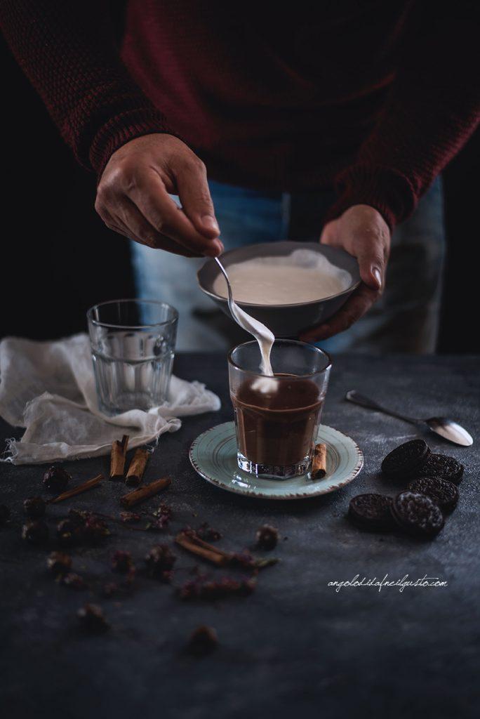 cioccolata-calda-alle-spezie-e-rum-2