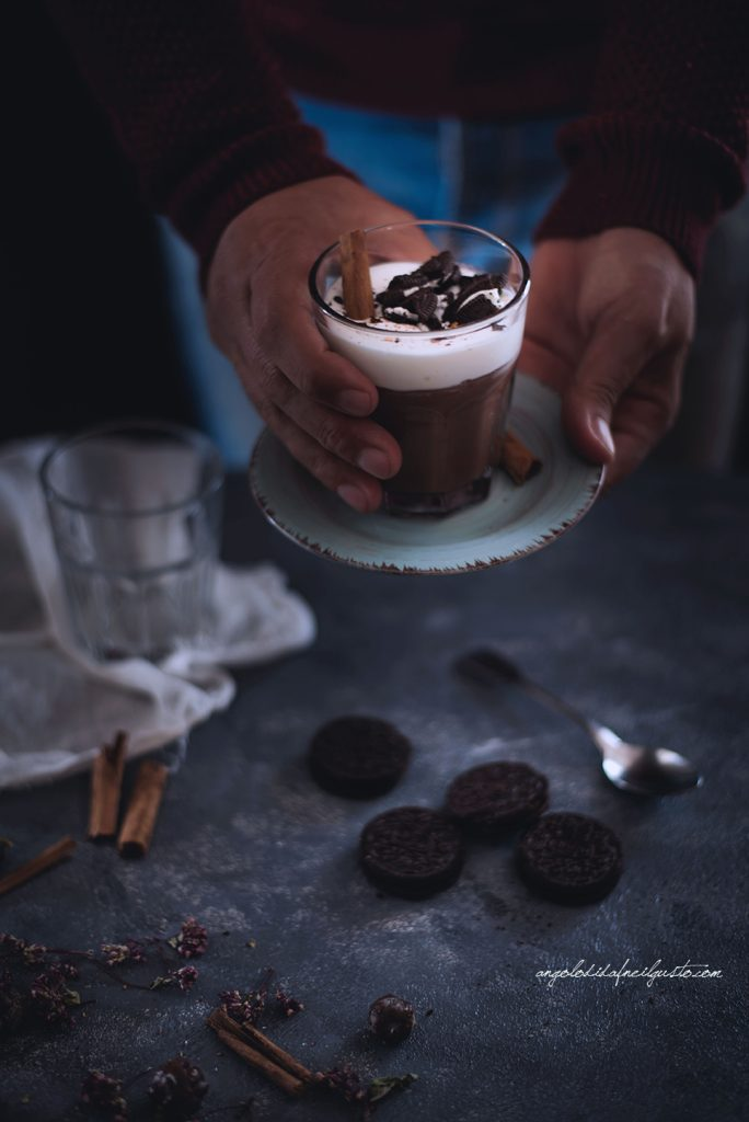 cioccolata-calda-alle-spezie-e-rum-4