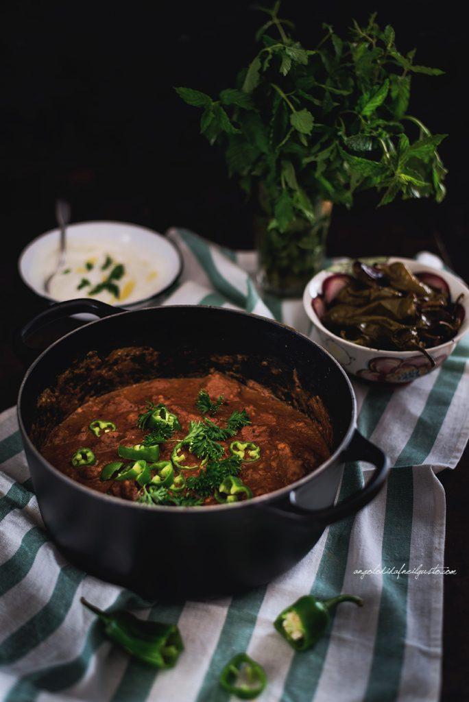 curry-di-manzo-con-patate-con-dip-allo-yogurt-1