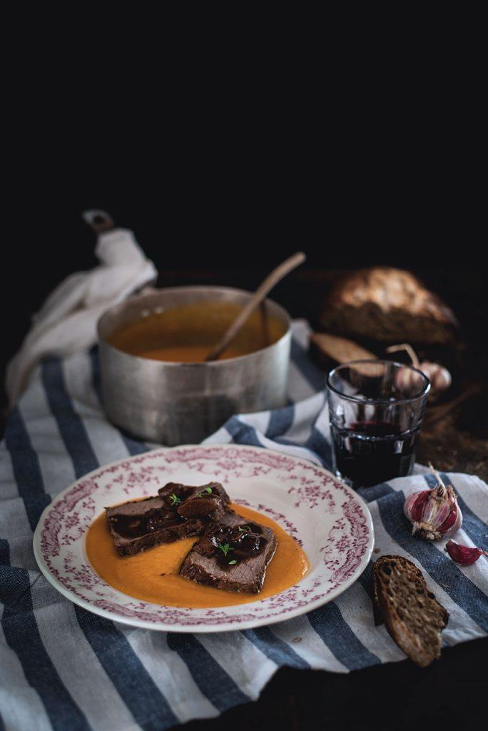 arrosto-al-balsamico-e-funghi-su-purea-di-zucca-e-pera-3