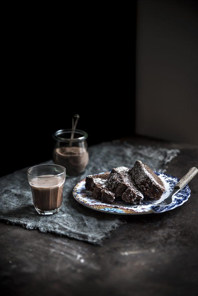 Ciambellone al Nesquik, cioccolato e Baileys