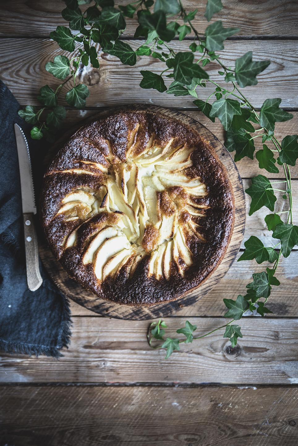 Torta di mele e ricotta alla cannella e limone