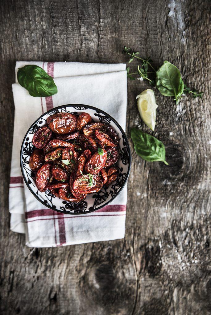 Troccoli al farro integrale e pesto con pomodorini confit, nduja e burrata